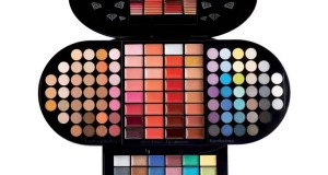 BRILLIANT MAKE UP PALETTE